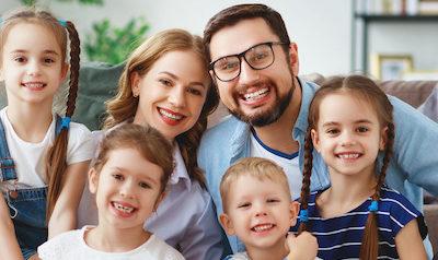 Comment adopter les enfants de mon conjoint ?